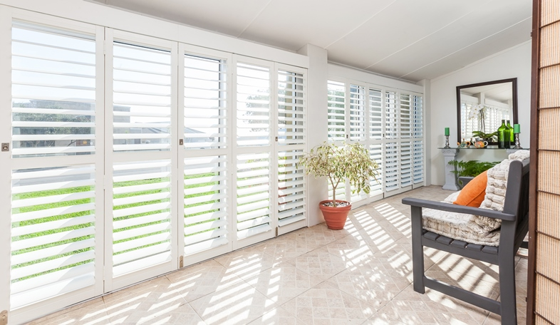 4 Ways of Maintaining Wooden Shutters