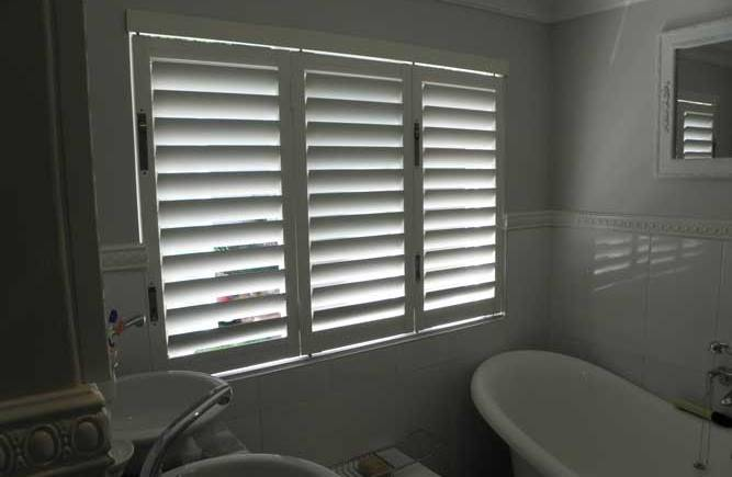 Why Aluminium Shutters Are A Good Choice For Your Bathroom