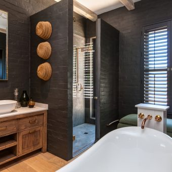 Estate Living Bathroom with Shutters